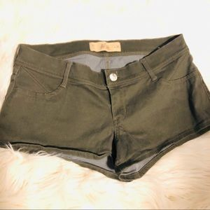 Hollister low rise shorts! Size 11